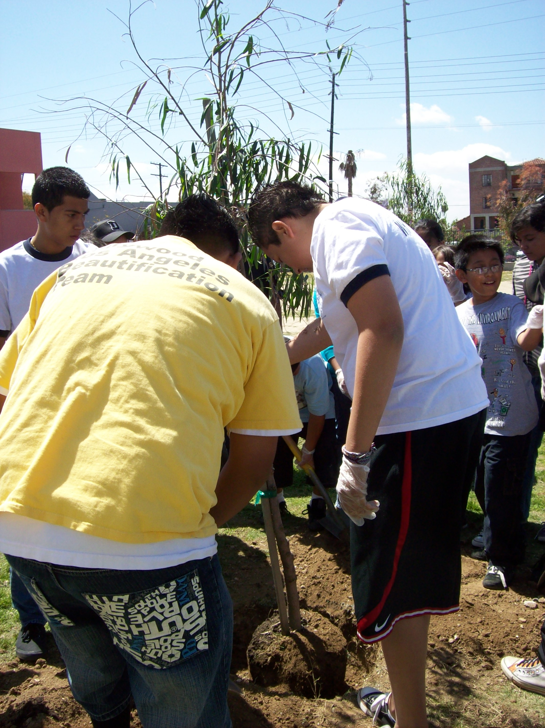 youth job training and mentoring los angeles beautification team 100 1319